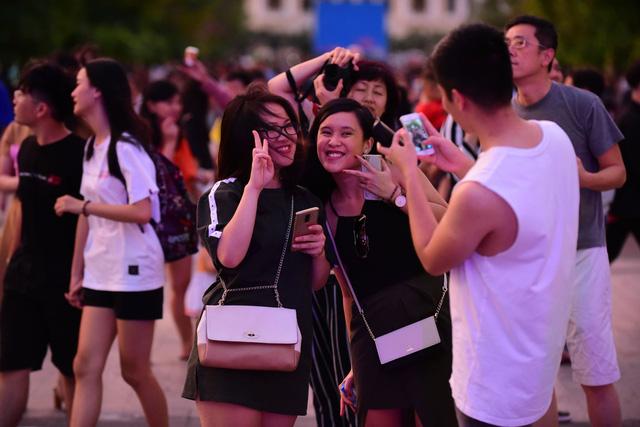 23h15, Tuổi Trẻ truyền hình trực tiếp lễ hội chào năm mới 2019 tại TP.HCM, Đà Nẵng, Hà Nội - Ảnh 7.