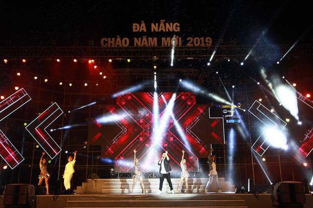 23h15, Tuổi Trẻ truyền hình trực tiếp lễ hội chào năm mới 2019 tại TP.HCM, Đà Nẵng, Hà Nội - Ảnh 4.