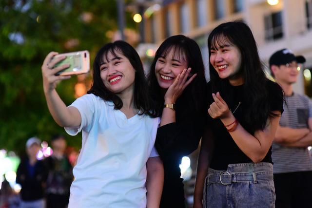 23h15, Tuổi Trẻ truyền hình trực tiếp lễ hội chào năm mới 2019 tại TP.HCM, Đà Nẵng, Hà Nội - Ảnh 9.