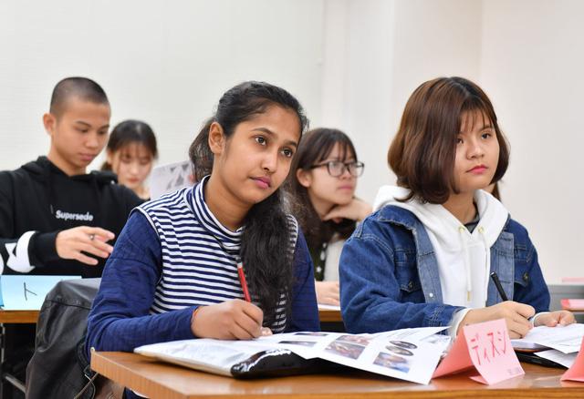 Bộ GD-ĐT phát cảnh báo quảng cáo du học Nhật sai sự thật - Ảnh 1.