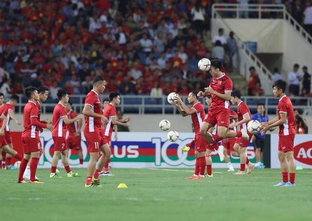 Trực tuyến Việt Nam - Philippines (hiệp 1: 0-0): Quyết liệt ngay từ đầu trận! - Ảnh 1.