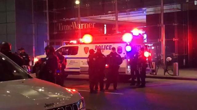 Văn phòng Đài CNN tại New York sơ tán sau lời dọa đánh bom - Ảnh 1.