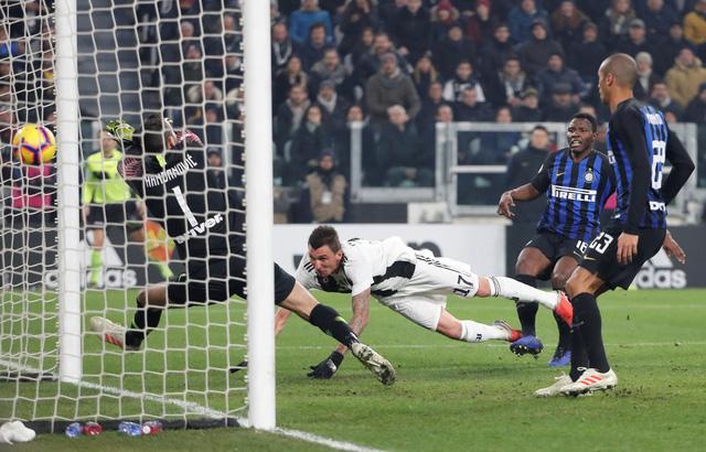 Mandzukic giúp Juventus khuất phục Inter Milan - Ảnh 1.