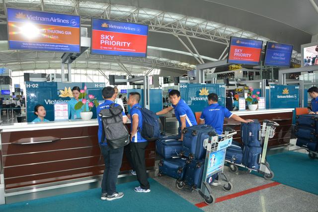 Tiếp tục tăng chuyến bay phục vụ cổ động viên đến Malaysia - Ảnh 1.