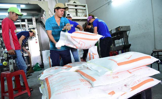 Mặc áo đẹp cho gạo Việt để chinh phục người tiêu dùng - Ảnh 2.