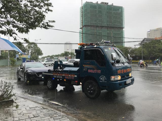 Mưa lớn kéo dài, Đà Nẵng tốc lực đào kênh thoát nước - Ảnh 8.