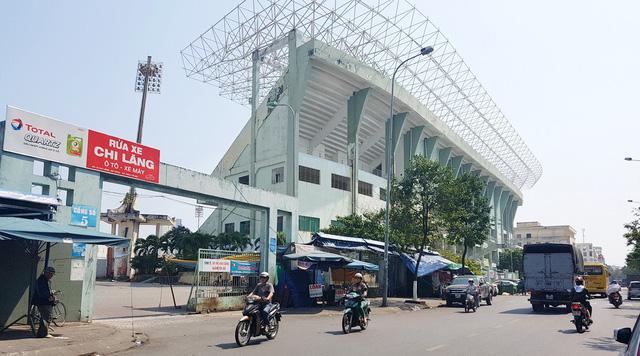 Sân vận động Chi Lăng được bán thần tốc như thế nào? - Ảnh 1.