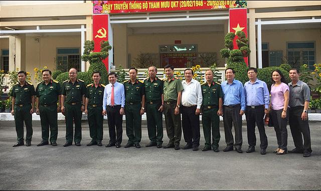 Chủ tịch UBND TP.HCM thăm, chúc tết lực lượng vũ trang - ảnh 1