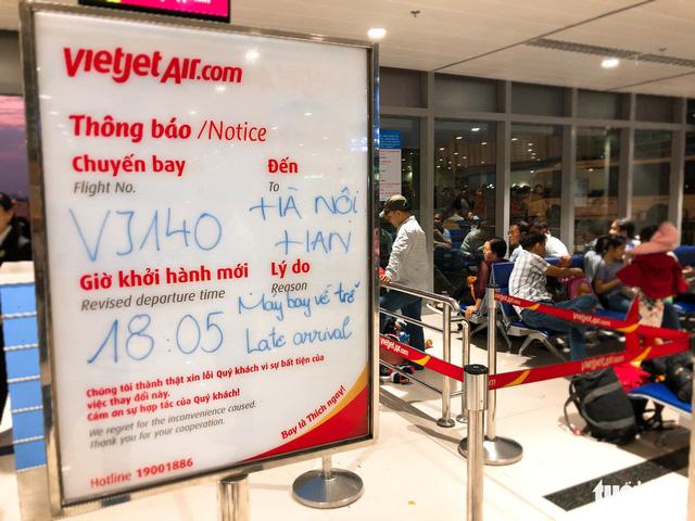 Cục Hàng không yêu cầu các hãng phải bay đúng giờ - Ảnh 1.