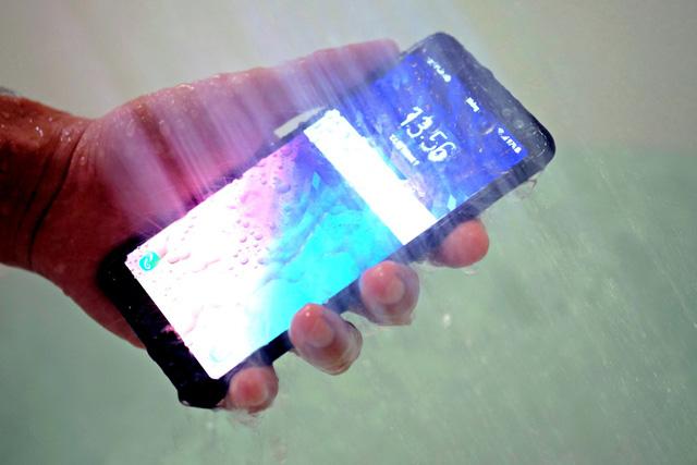 Thị trường điện thoại cận cao cấp dậy sóng - Ảnh 5.