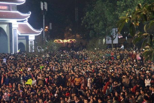 Trước ngày khai hội Lim, liền anh liền chị hát quan họ thâu đêm - Ảnh 3.