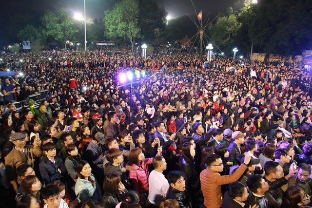 Trước ngày khai hội Lim, liền anh liền chị hát quan họ thâu đêm - Ảnh 2.
