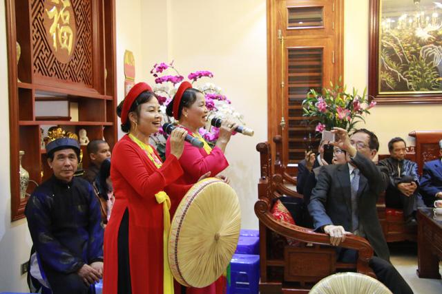 Trước ngày khai hội Lim, liền anh liền chị hát quan họ thâu đêm - Ảnh 5.