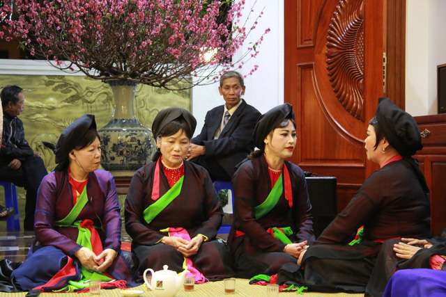 Trước ngày khai hội Lim, liền anh liền chị hát quan họ thâu đêm - Ảnh 6.