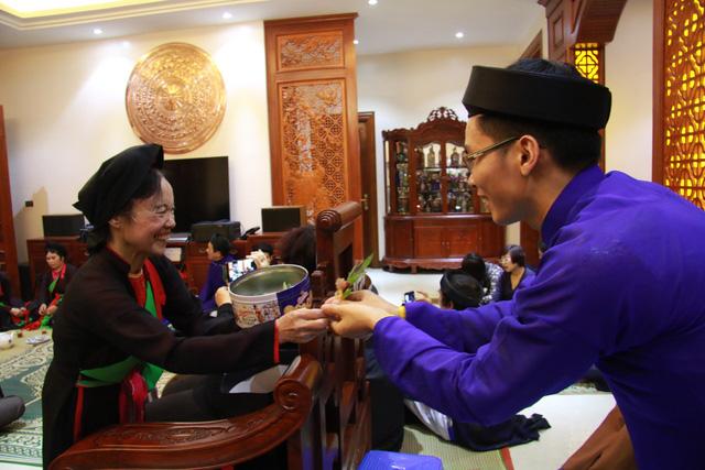 Trước ngày khai hội Lim, liền anh liền chị hát quan họ thâu đêm - Ảnh 8.