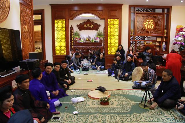 Trước ngày khai hội Lim, liền anh liền chị hát quan họ thâu đêm - Ảnh 7.