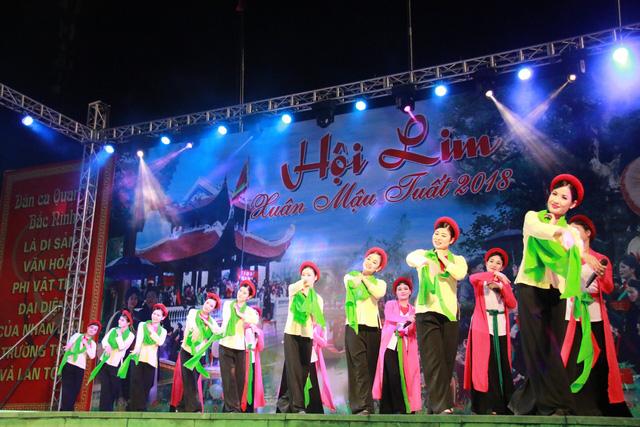 Trước ngày khai hội Lim, liền anh liền chị hát quan họ thâu đêm - Ảnh 9.