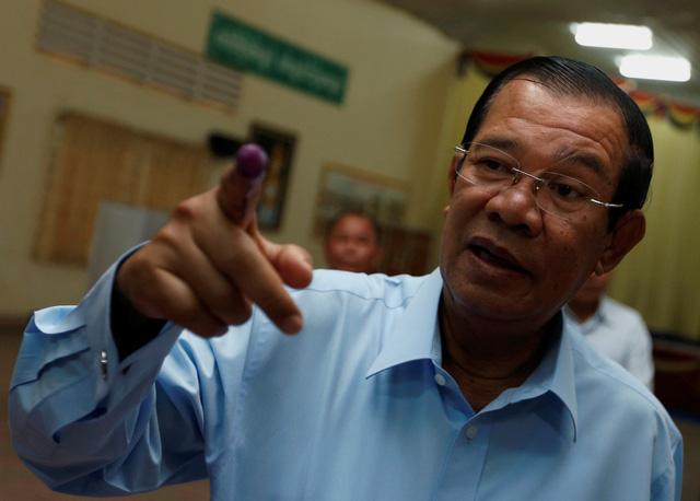 Mỹ cắt viện trợ quân sự và hỗ trợ phát triển cho Campuchia - Ảnh 1.