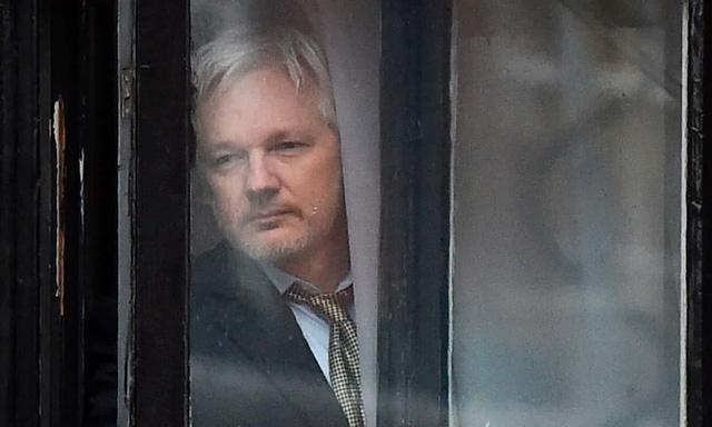 Nỗ lực thoát lẩn trốn bất thành của ông chủ WikiLeaks - Ảnh 4.