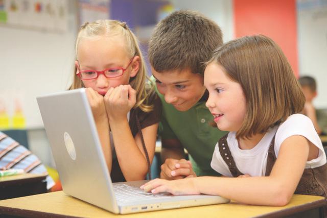 Mỗi nửa giây có 1 trẻ em vào thế giới mạng - Ảnh 3.