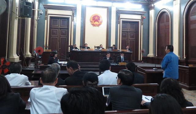 Các cựu lãnh đạo VietinBank vắng mặt trong phiên xử Huyền Như - Ảnh 3.