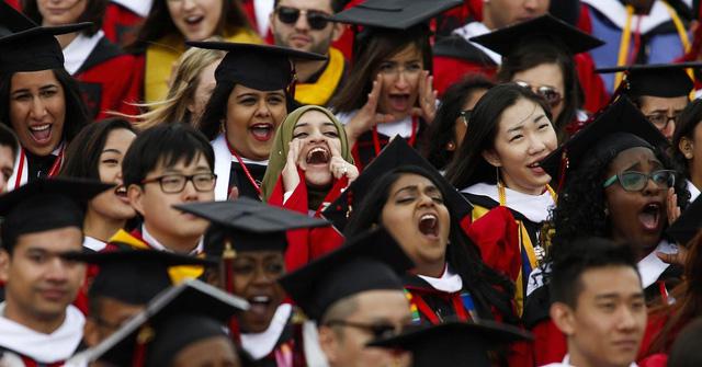 Nhật Bản xếp nhì thế giới về giáo dục người lớn - Ảnh 1.
