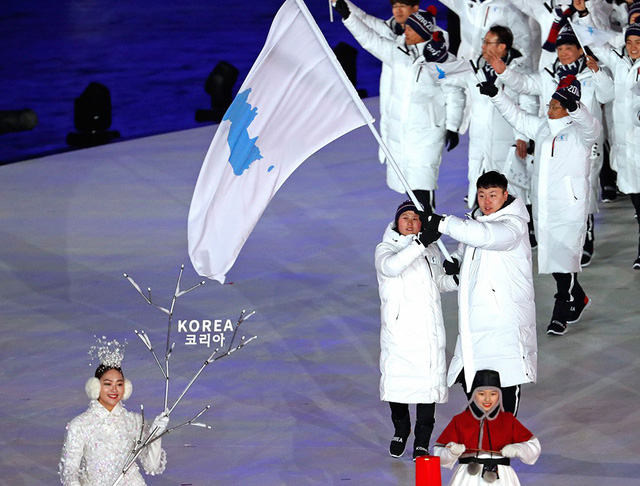 Lễ khai mạc Olympic mùa đông Pyeongchang rực rỡ và hiện đại - Ảnh 4.