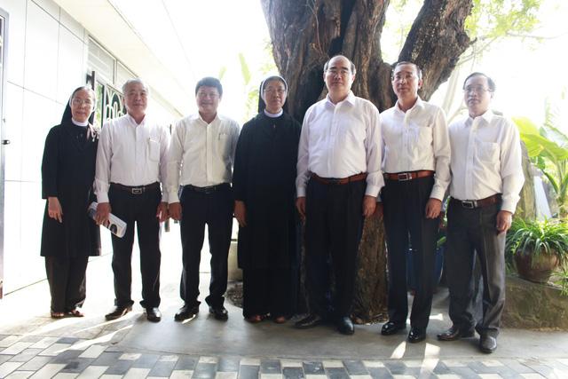 Bí thư Thành ủy Nguyễn Thiện Nhân chúc tết Dòng Mến Thánh giá Thủ Thiêm - Ảnh 3.