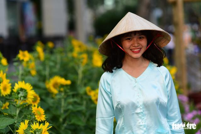 Khai mạc Hội hoa xuân Phú Mỹ Hưng trong khuôn viên 7 ha - Ảnh 6.