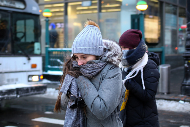 New York kiện các ông lớn dầu mỏ gây biến đổi khí hậu - Ảnh 1.