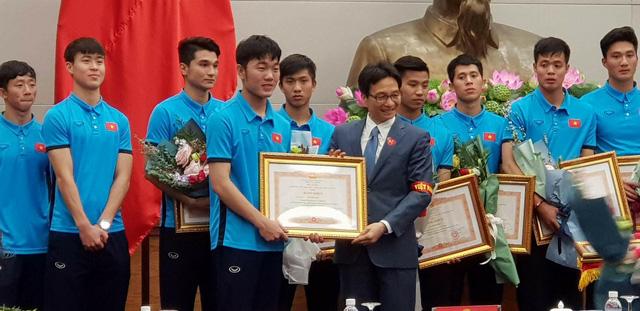 Thủ tướng trao huân chương cho thầy trò U23 Việt Nam - Ảnh 6.