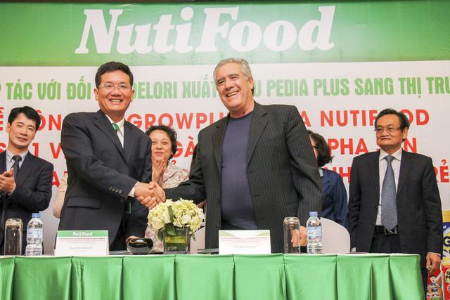NutiFood tiếp tục vị trí quán quân ngành sữa đặc trị - Ảnh 1.