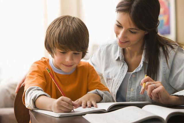 Người Anh ít giúp con làm bài tập ở nhà, vì sao? - Ảnh 1.
