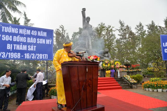 Đông đảo phóng viên quốc tế đưa tin tưởng niệm thảm sát Sơn Mỹ - Ảnh 1.