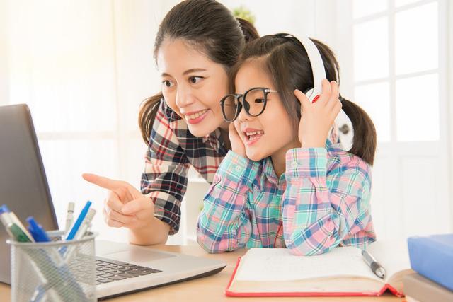 Học sinh và thiết bị công nghệ: nên hay không nên - Ảnh 1.