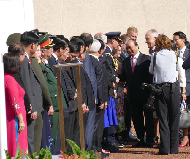 19 loạt đại bác chào mừng Thủ tướng Nguyễn Xuân Phúc thăm Australia - ảnh 5