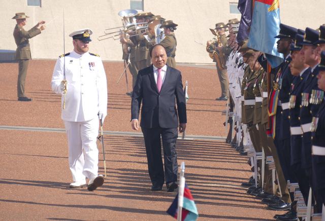 19 loạt đại bác chào mừng Thủ tướng Nguyễn Xuân Phúc thăm Australia - ảnh 1