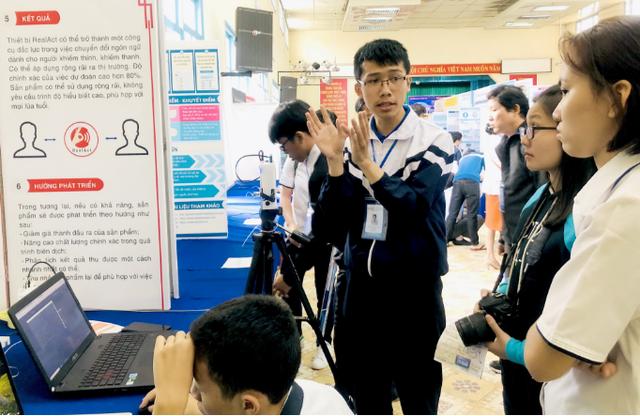 239 dự án thi khoa học kỹ thuật quốc gia phía nam - Ảnh 1.