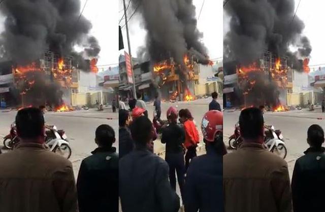 Siêu thị điện máy ở Nghệ An bất ngờ cháy dữ dội khiến người đi đường hoảng sợ