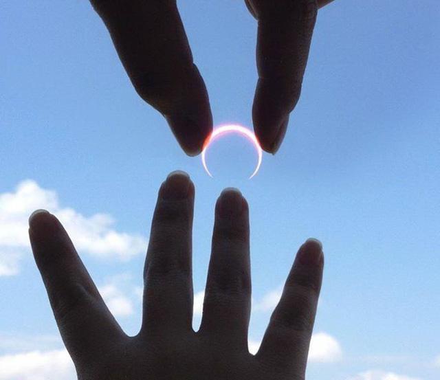 Khi nào kiếm được nhiều tiền, sẽ mua cho em chiếc nhẫn tình yêu - Ảnh 1.