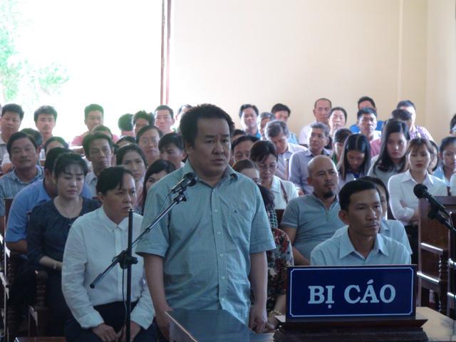 Tạm hoãn phiên tòa đại gia Tòng Thiên Mã vì hội thẩm nhân dân bệnh - Ảnh 1.