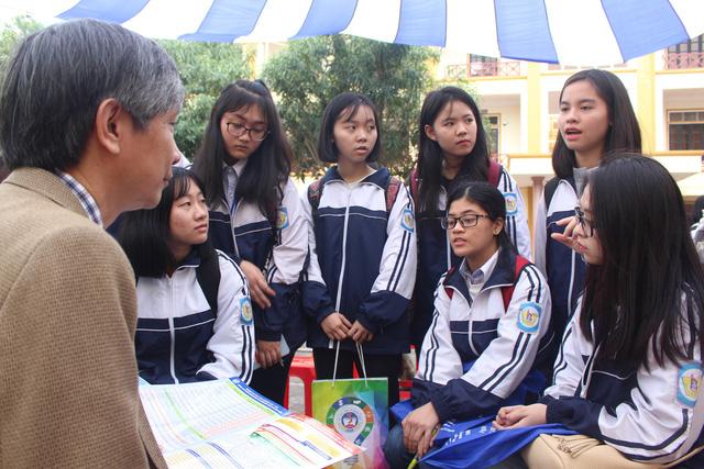 Tuyển 300 thí sinh nước ngoài học tiếng Việt và văn hóa Việt - Ảnh 1.