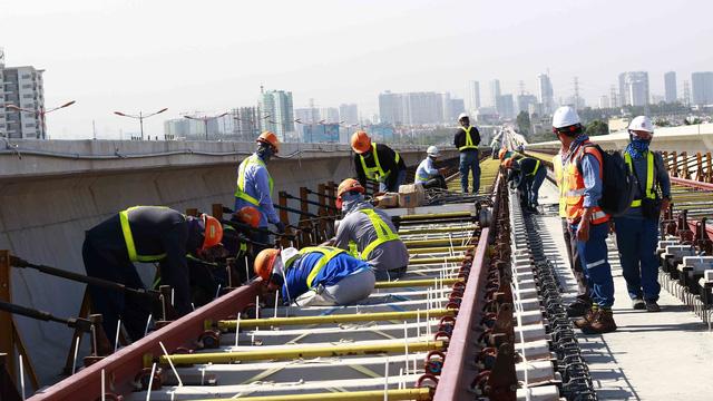 Metro số 1 cầu cứu vì cần 1.000 tỉ đồng trả các nhà thầu - Ảnh 1.