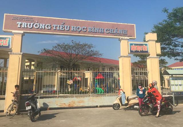 Khai trừ Đảng Võ Hòa Thuận, phụ huynh bắt cô giáo phải quỳ, Đảng ủy xã xã Nhựt Chánh đã biểu quyết 11/11 phiếu thống nhất.