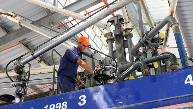 Ethanol tăng giá vì độc quyền, uy hiếp xăng E5?
