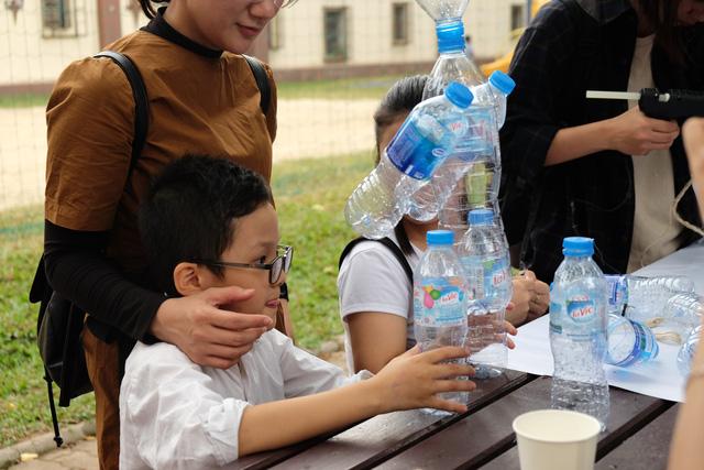 Giới trẻ Hà Nội hưởng ứng chiến dịch loại bỏ rác thải nhựa - Ảnh 3.