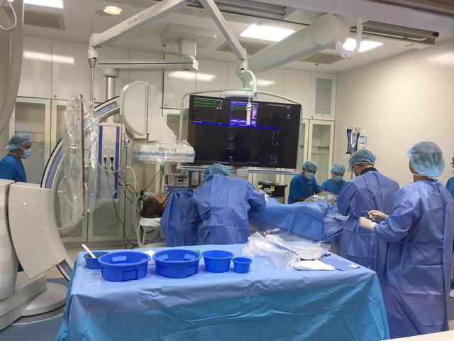Bệnh nhân bị nhồi máu cơ tim, phù phổi cấp thoát nguy kịch - Ảnh 1.