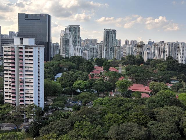 Chung cư condo ở Singapore: Mưa ướt đồ tôi? - Kệ anh! - Ảnh 1.