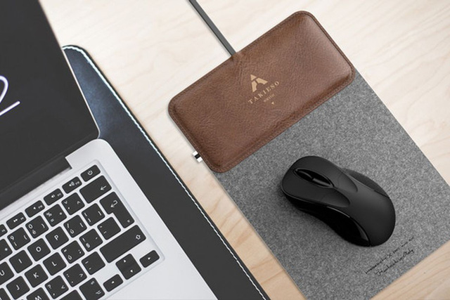 Miếng lót chuột tích hợp bộ sạc không dây cho smart-phone - Ảnh 1.