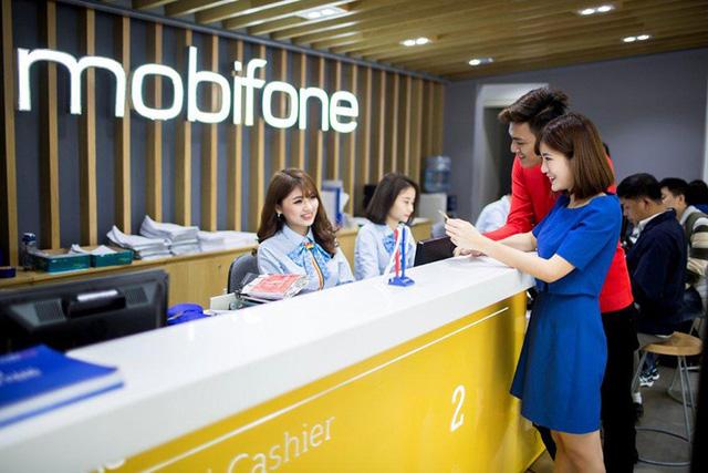 MobiFone tặng quà tri ân khách hàng đồng hành 1/4 thế kỷ - Ảnh 1.